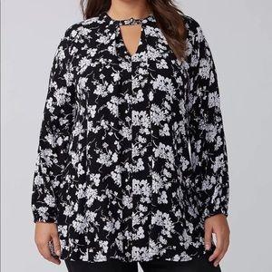 Lane Bryant black and white flower top w/ Pockets
